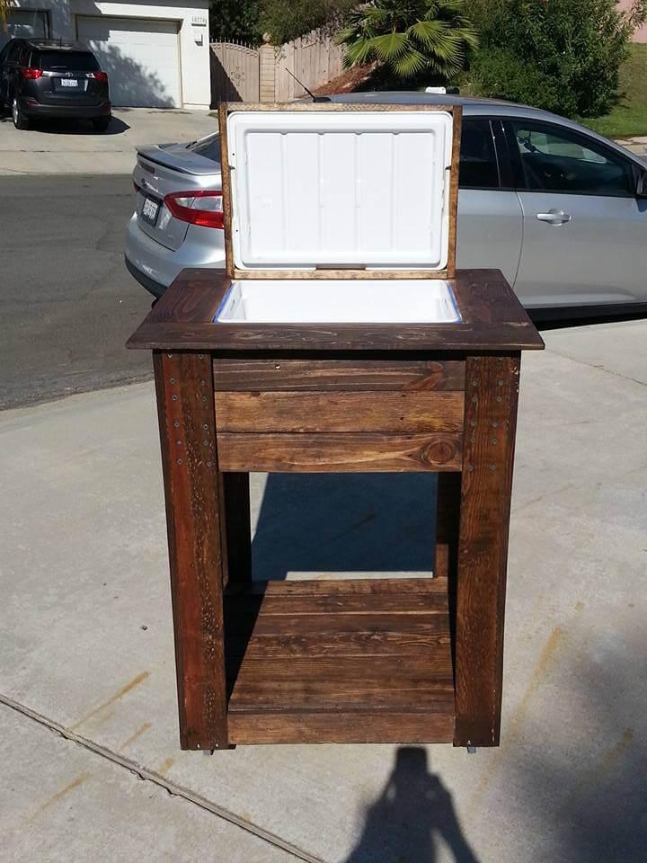 wooden pallet outdoor cooler