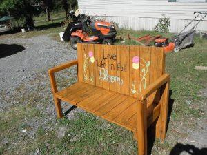 Upcycled Pallet Bench – 11 Unique Ideas