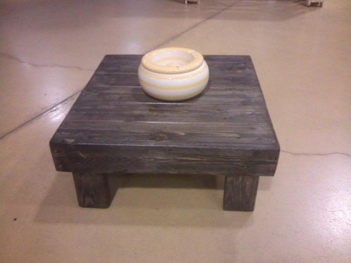 diy little pallet coffee table