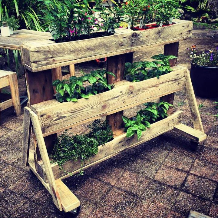 diy 3 tiered pallet A-frame planter