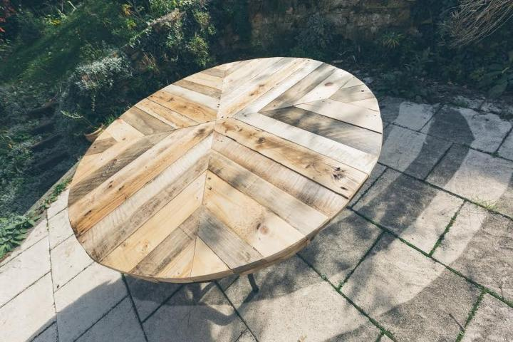 repurposed pallet chevron round coffee table