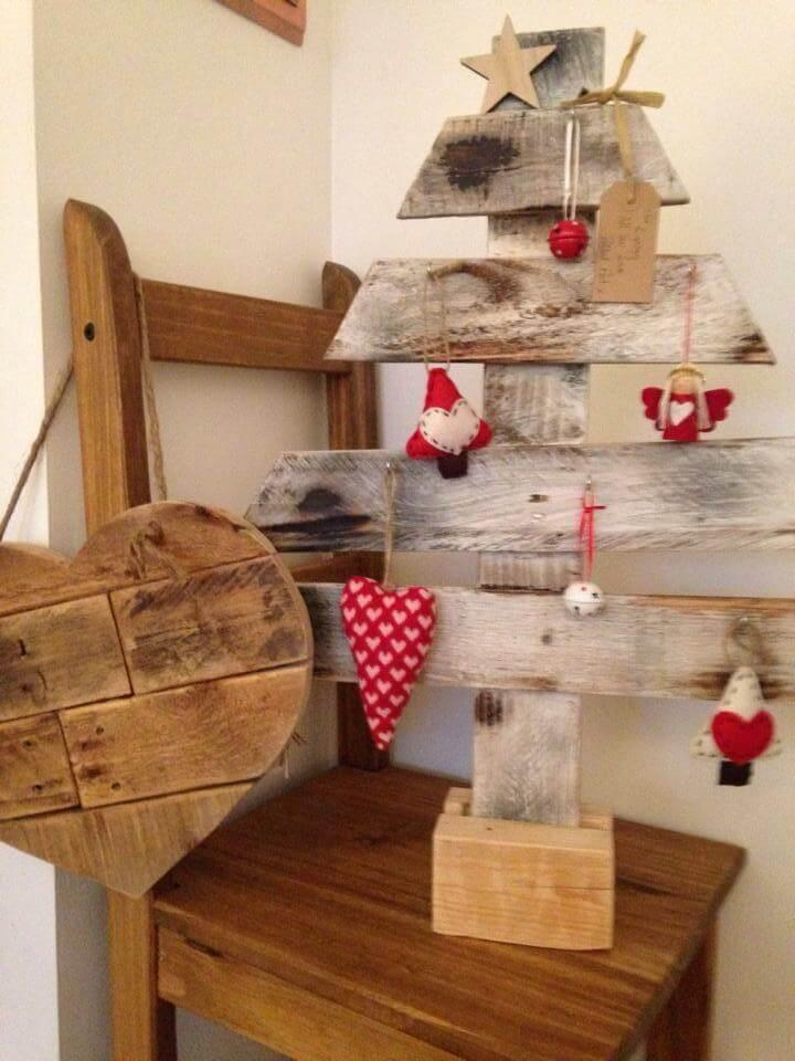 wooden pallet decorative tree
