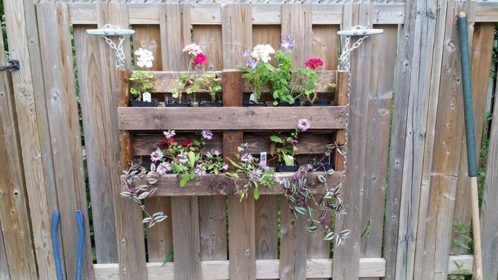 diy pallet wall hanging planter