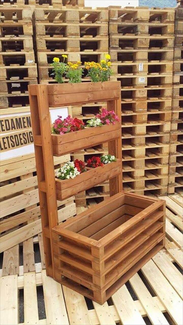 pallet planter with multiple potting levels