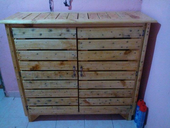 handmade pallet sideboard