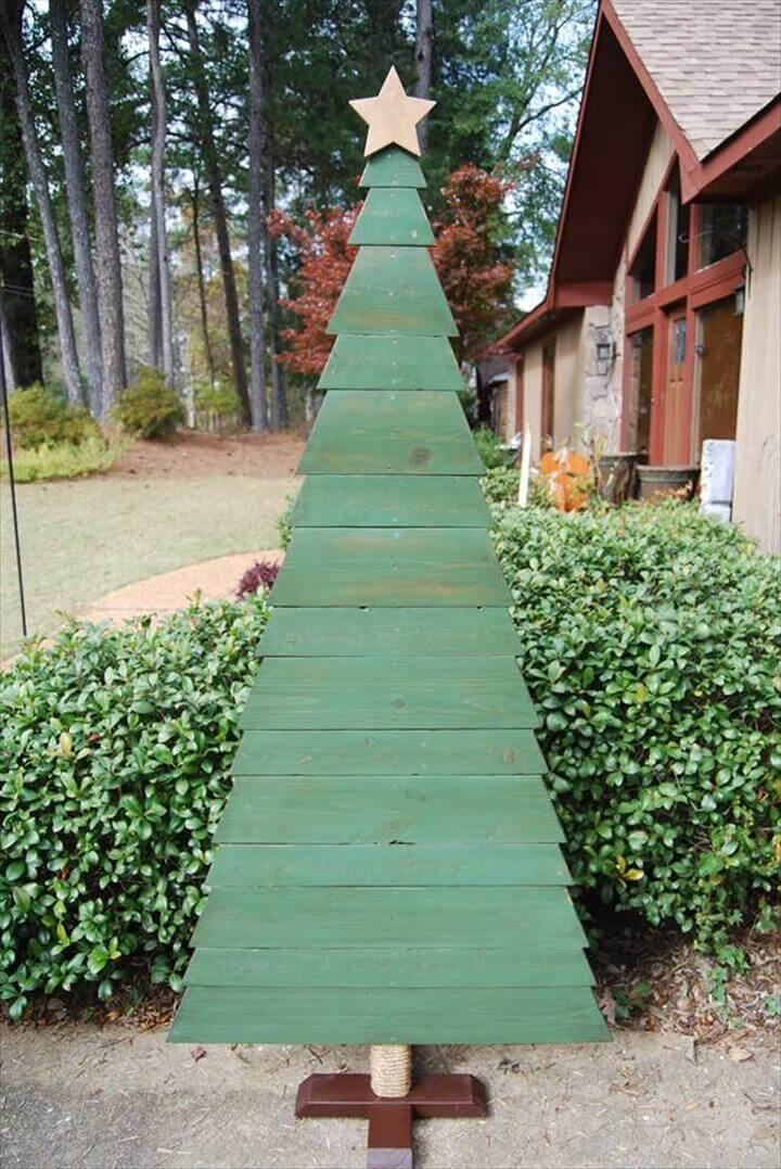 green painted pallet tree decor