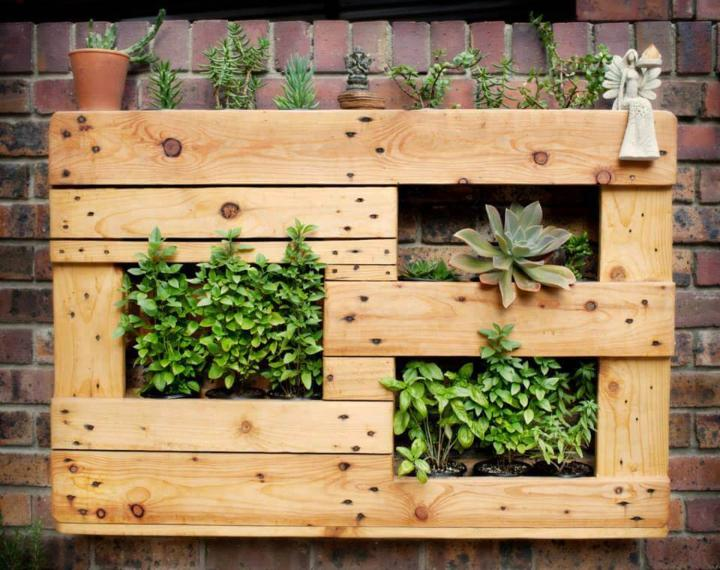 upcycled pallet wall hanging planter