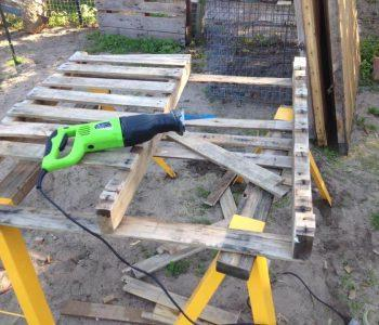 dismantling of pallets with sawzall