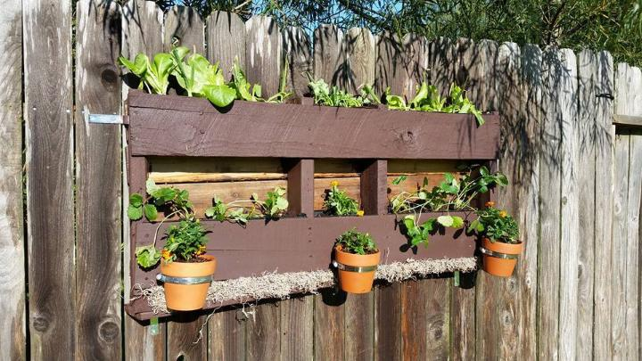 diy garden fence wall planter and pot holder