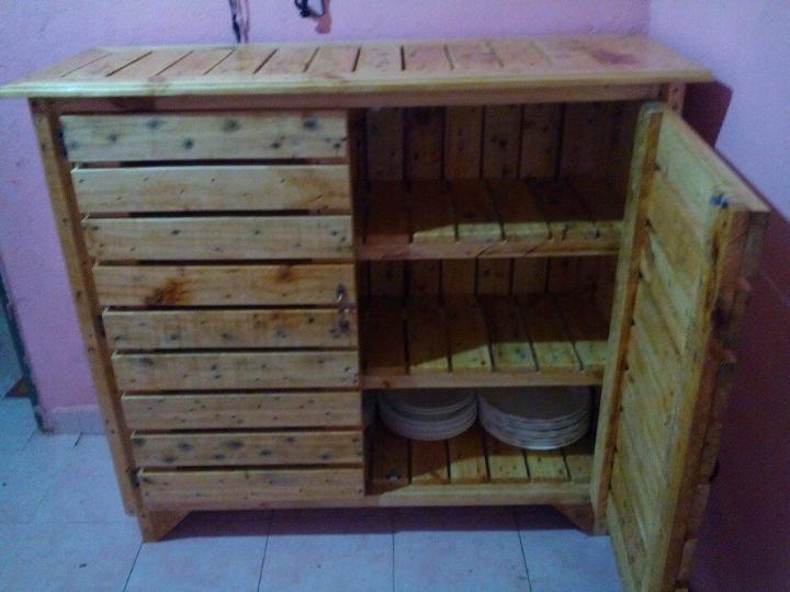Pallet Kitchen Cabinet / Sideboard - Easy Pallet Ideas