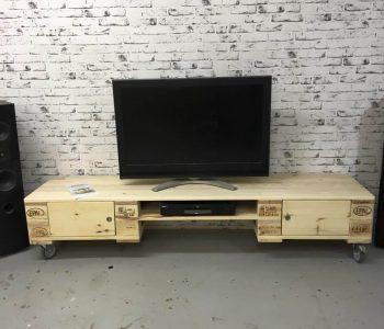 low pallet media stand