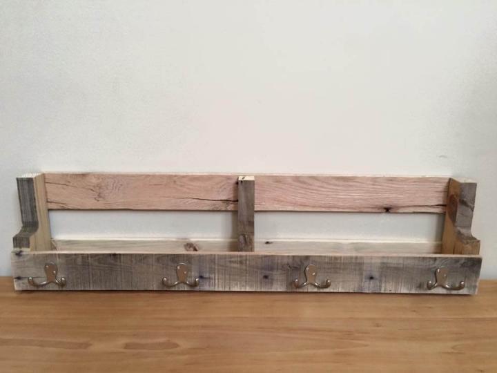 diy pallet wall mounted shelf