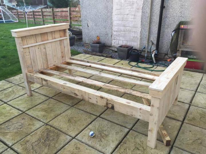 handmade pallet single bed