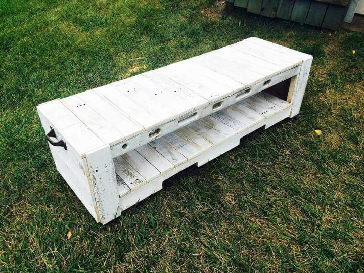 pallet bench with side handles