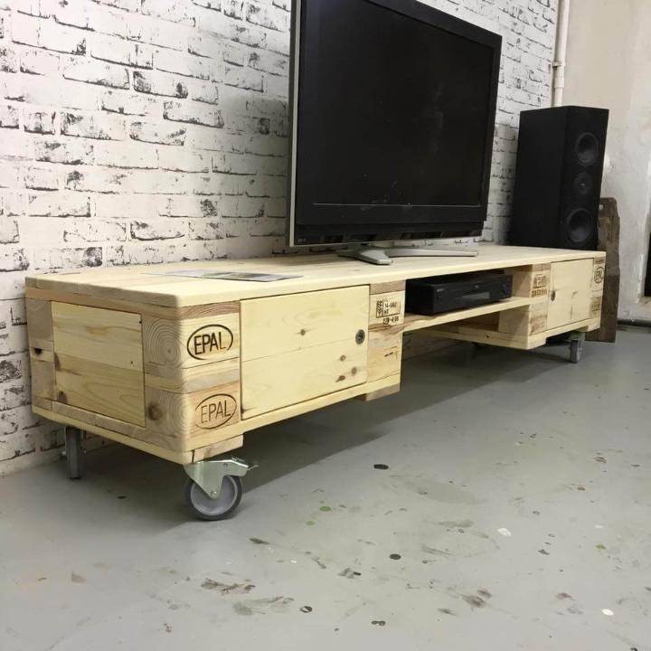 upcycled wooden pallet media stand with wheels