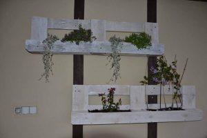 diy pallet white washed planter shelves