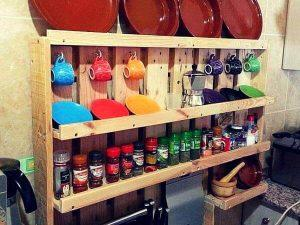 Pallet Spice Rack and Kitchen Shelf – Tutorial