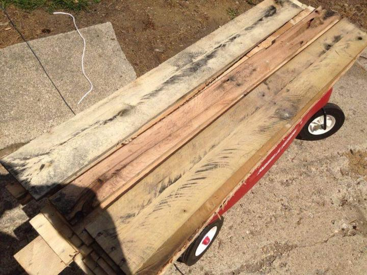 cutting and dismantling of pallets