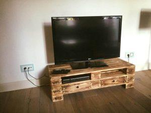 repurposed wooden pallet media stand