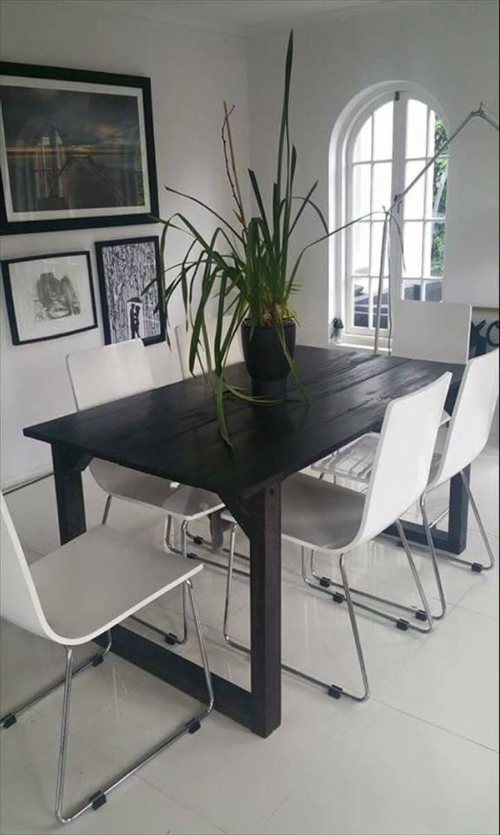 low-cost wooden pallet black dining table
