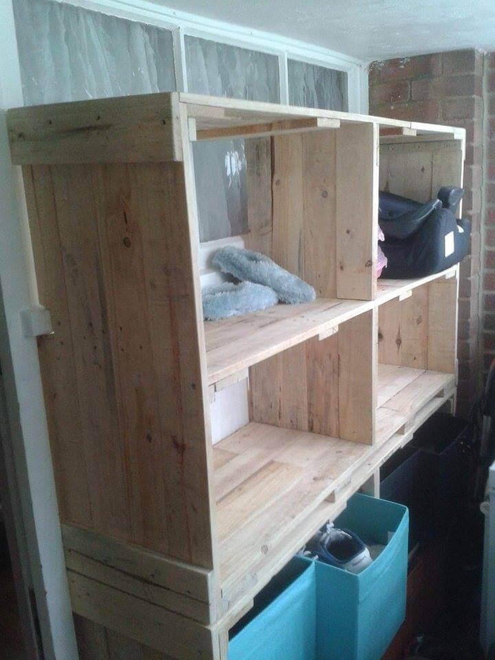 wooden pallet storage rack with storage baskets