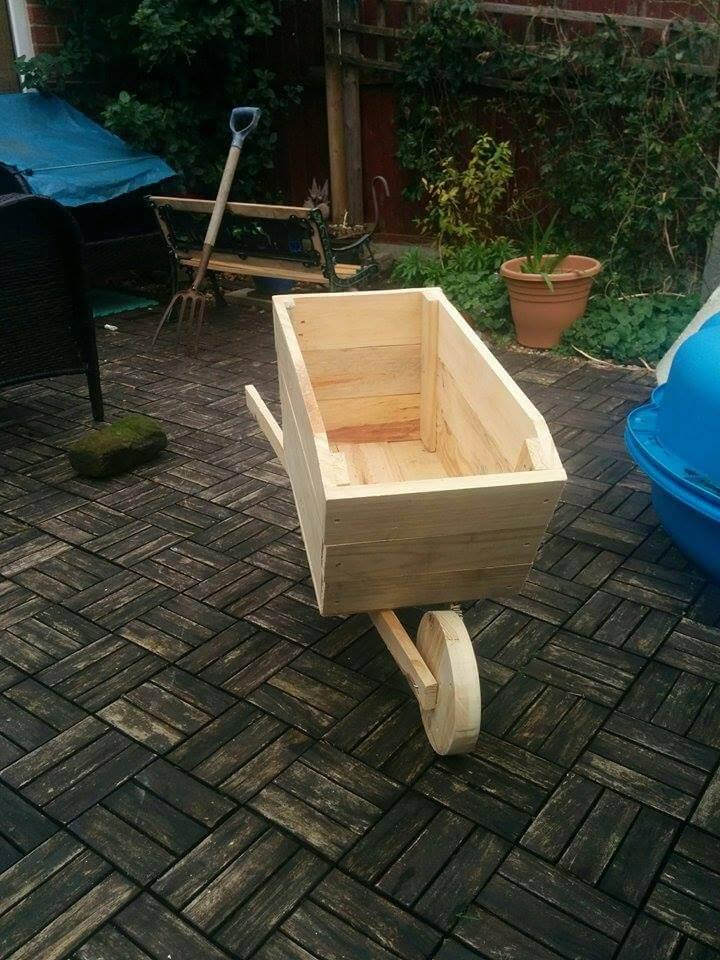 wooden pallet wheelbarrow