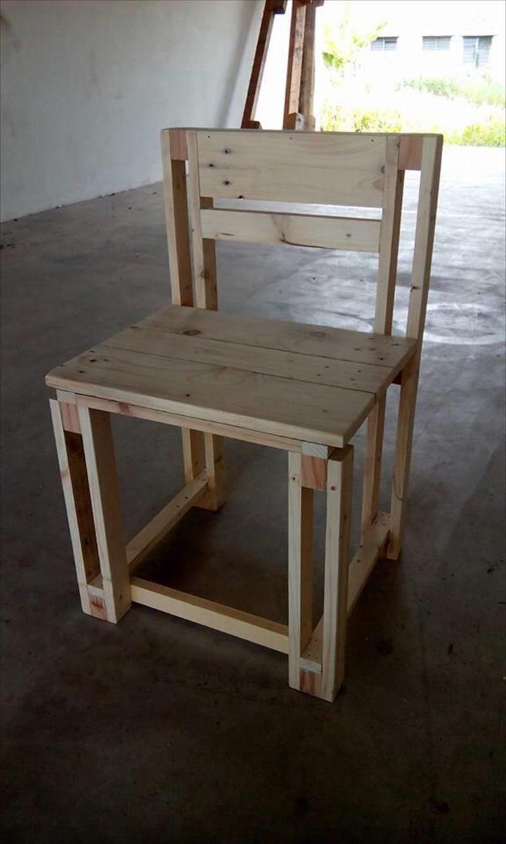 diy pallet kid's chair