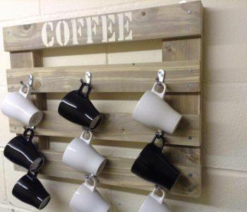 Wooden pallet coffee mug holder