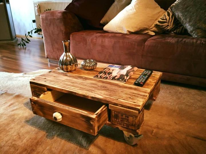 easy-to-build one pallet coffee table