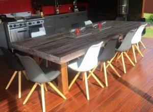 low-cost wooden pallet dining table