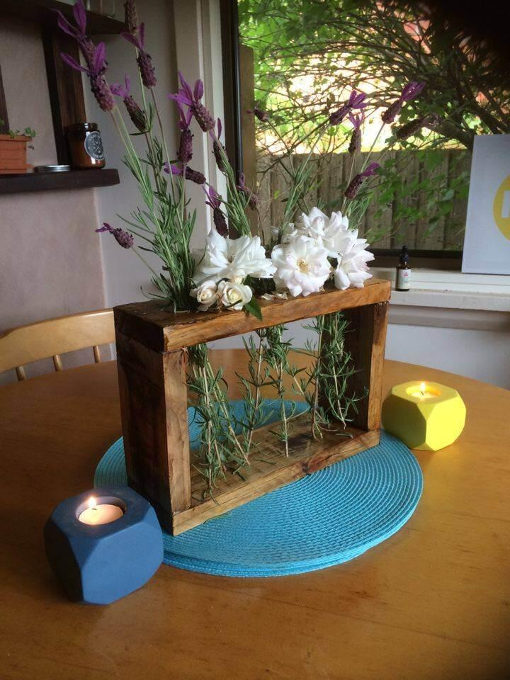upcycled pallet tea lights and flower organizer