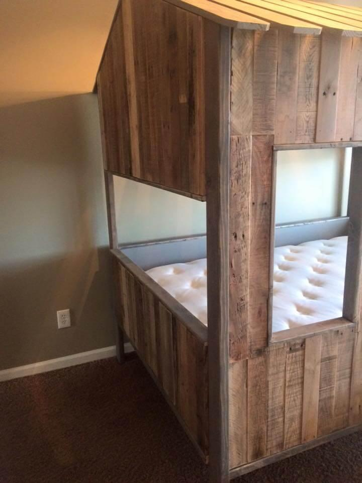 Recycled pallet play house and bed for kids