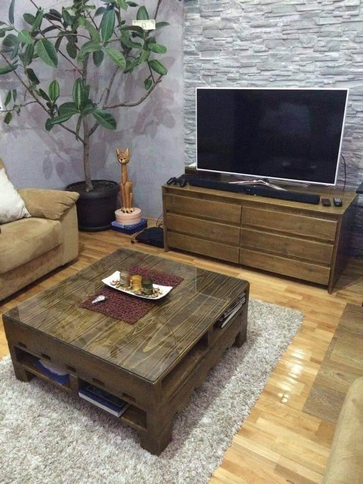 upcycled pallet media stand and coffee table