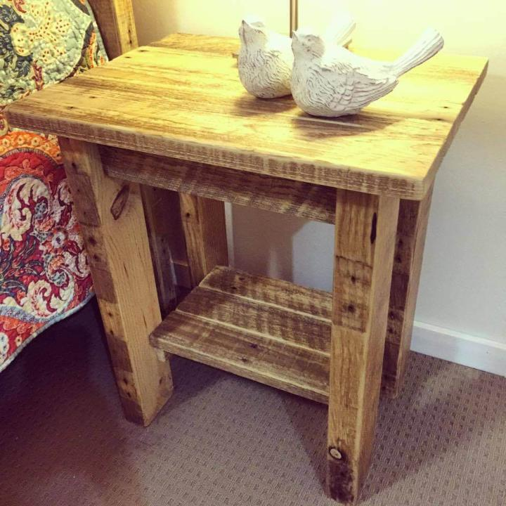 pallet-nightstand-or-side-table