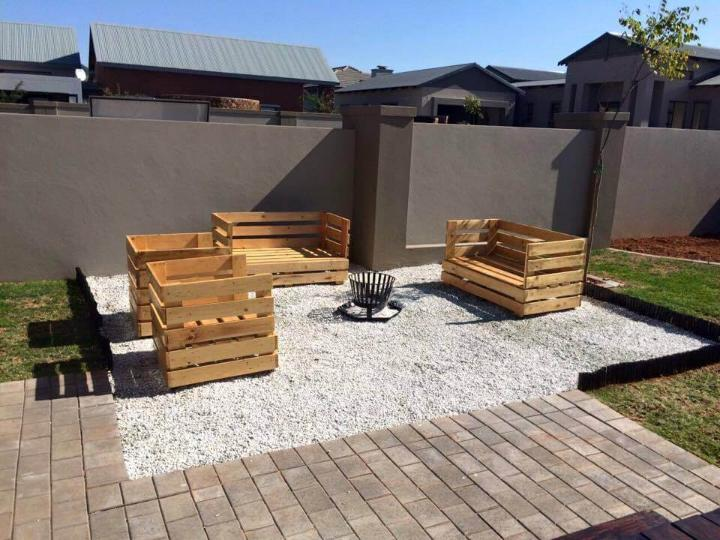 pallet-patio-sitting-furniture-set