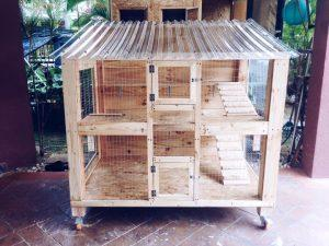reclaimed pallet pet cage with wheels