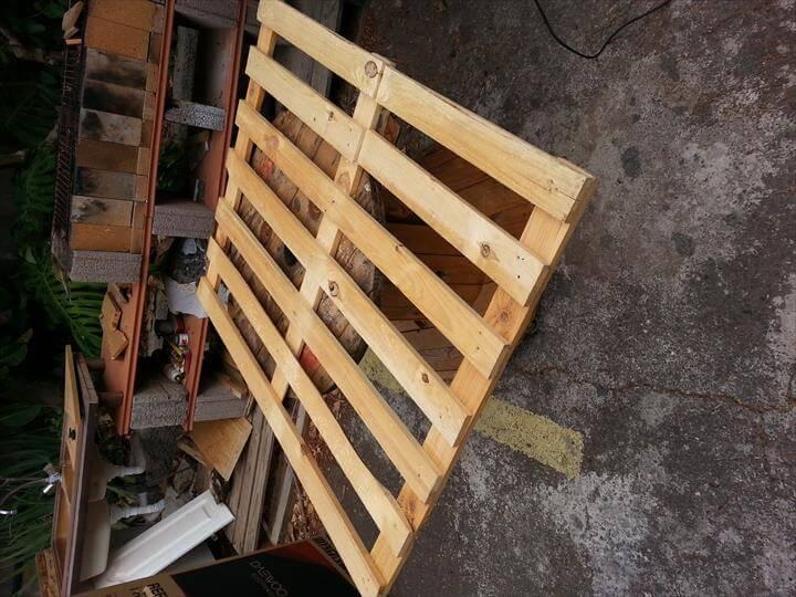 wooden pallet skid