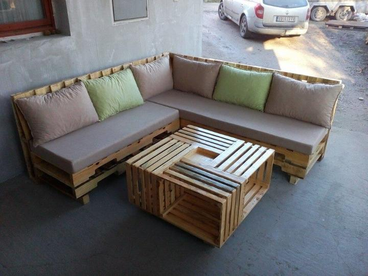 upcycled pallet sofa with crate coffee table