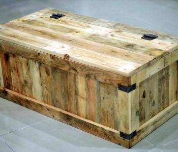 Repurposed pallet storage chest