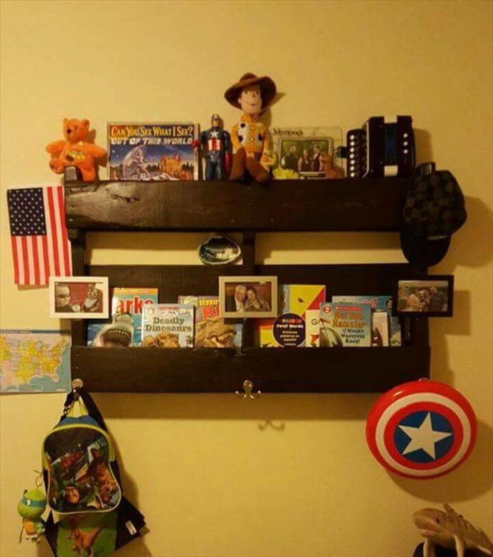 Recycled pallet decorative shelf
