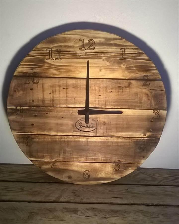 upcycled pallet round wall clock