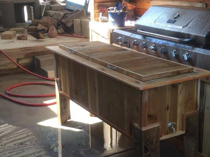 wooden pallet ice chest