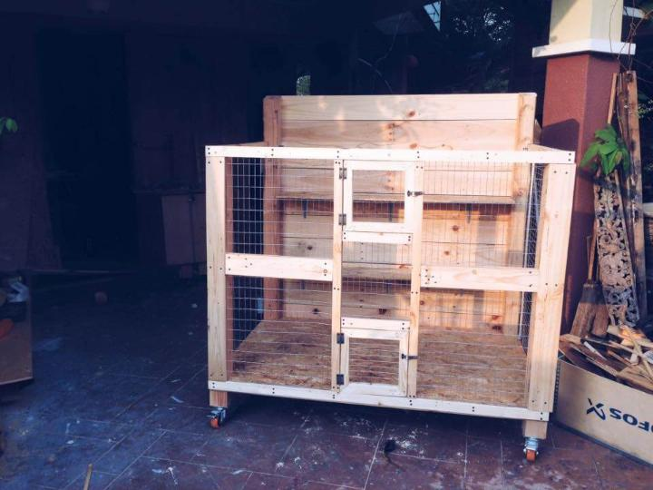 diy wooden pallet pet cage with wheels