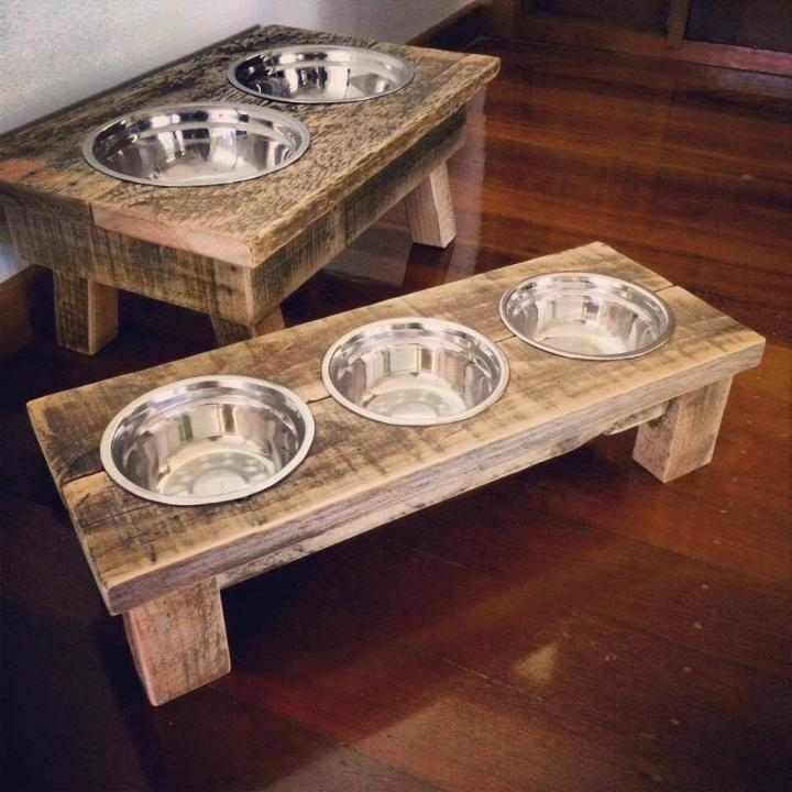 diy pallet dog bowl stand