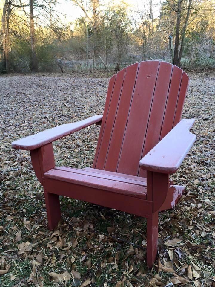 Adirondack chair made of pallets