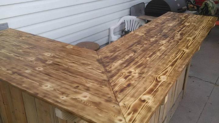mesa de bar seccional de paletas sin costo pero resistente