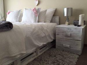 Wood Pallet Bed With Side Tables