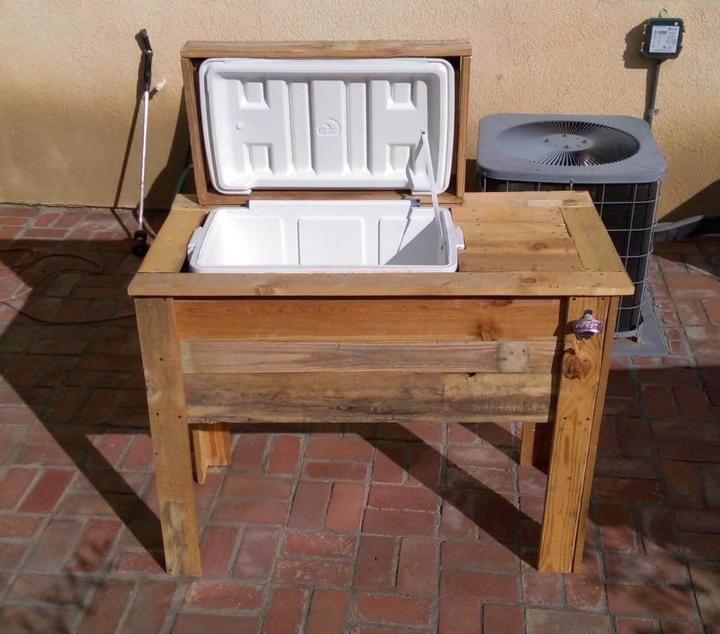 recycled pallet ice chest