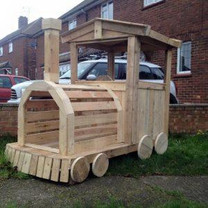 Pallet Wood Train Engine / Playhouse