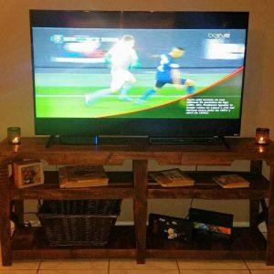 low-cost wooden pallet TV console